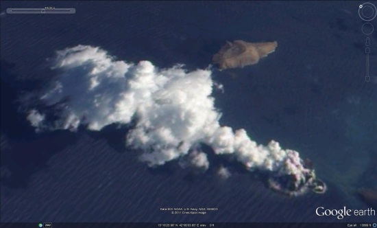 Red sea volcanic eruption and earthquake
